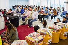 คณะผู้บริหารร่วมทำบุญเลี้ยงพระ เนื่องในโอกาสวันขึ้นปีใหม่ 2558